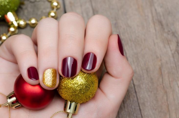 best Christmas nail art styles
